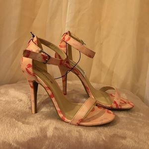 Lipstick print heels by Body Central
